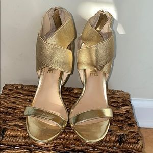 Shoes - Gold Special occasion sandal